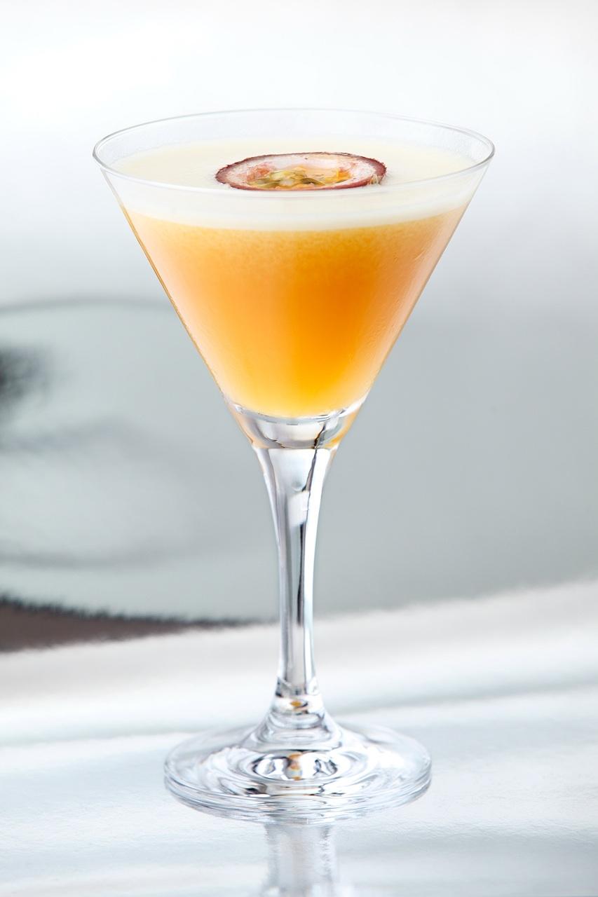 Mixology passion fruit martini wbarcelonainsiders for Martini cocktail