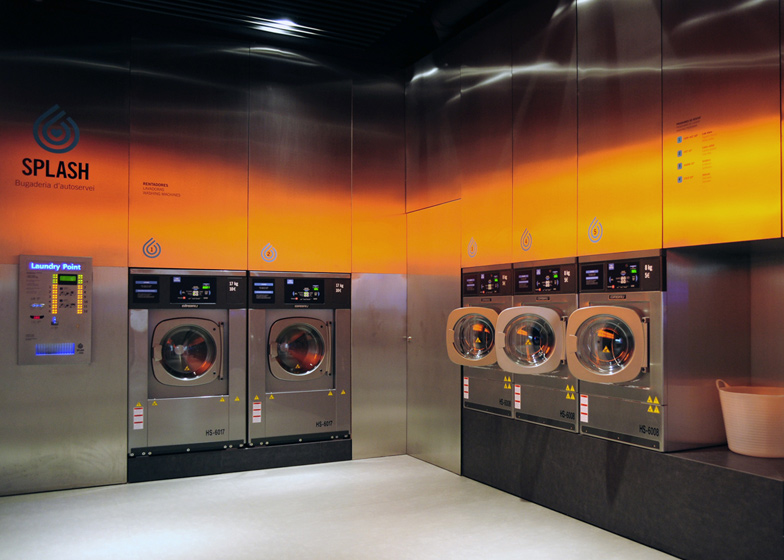 dezeen_Splash-laundromat-by-Frederic-Perers_ss_5